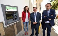 Calicasas cuenta con cajero automático después de tres años sin servicios bancarios