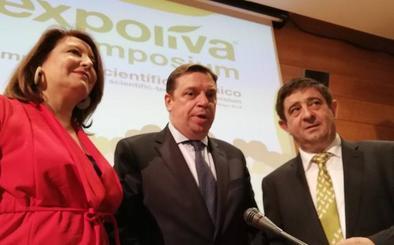 El ministro Luis Planas pone la internacionalización como la clave del futuro del olivar