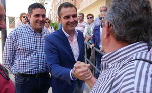 Pacheco acusa a sus adversarios de enzarzar a los barrios al subrayar el diferente trato