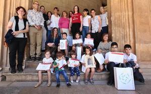 La Alhambra entrega los premios del concurso 'Dibuja e investiga'