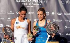 Lucía Martínez, campeona del Lisboa Crown junto a la lusa Sofía Araujo