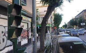 Varias subidas de tensión vuelven a provocar apagones de semáforos y atascos en Méndez Núñez
