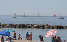 El Ayuntamiento de Almería adjudica el balizamiento para sus 14 playas y 9 canales acuáticos