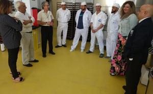 El Acebuche pone en marcha una panadería para elaborar el pan que sirven a diario a los internos