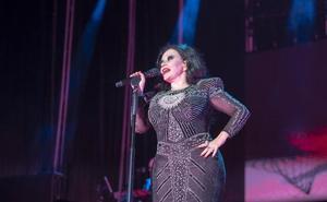 Fangoria pone la banda sonora de una noche de baile, en una repleta Plaza de Toros de Almería