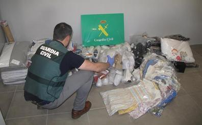 Arrestado por el robo del interior de un camión aparcado en el polígono Juncaril