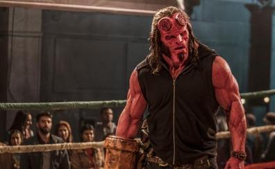 'Hellboy' lucha en los cines contra el amor 'Casi imposible' de Charlize Theron