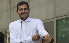 Íker Casillas desmiente su retirada: «Por ahora, tranquilidad»