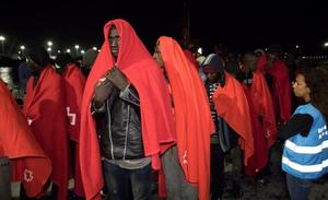 Salvamento Marítimo rescata a 56 inmigrantes y los traslada al Puerto de Motril