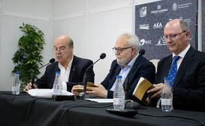 Juan Vellido vuelve al viejo París en 'Mieles de lino'