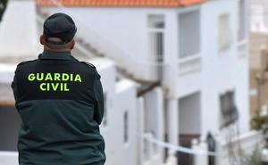 El coche de un acusado de la agresión sexual en grupo de Campohermoso tenía ADN de la víctima en el asiento trasero