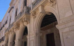 La rehabilitación de la fachada de la Plaza Vieja comienza en junio