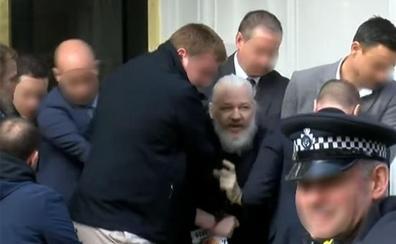 La Fiscalía sueca solicita formalmente la detención de Assange