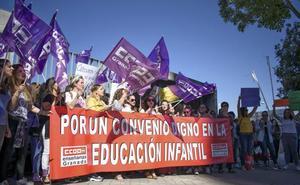 Alto seguimiento de la huelga en las escuelas infantiles de Granada para reclamar mejoras salariales