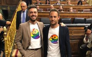 Felipe Sicilia cuela a 'gaysper' en el Congreso