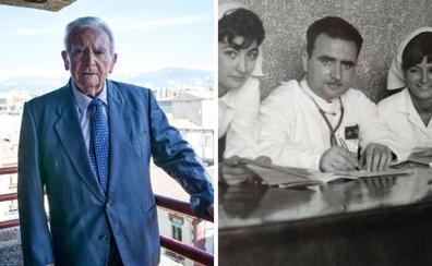 El médico de Granada que nunca se retirará cumple años