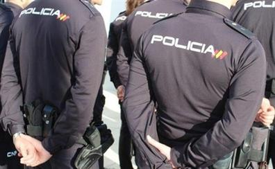 Intervienen 1.000 prendas de ropa falsificadas en una nave de un polígono de Albolote