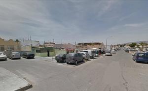 La Policía atribuye la agresión mortal en Almería a varios autores huidos que dieron a la víctima por muerta