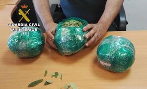 La Guardia Civil interviene en el Aeropuerto de Almería más de tres kilos de hojas de coca