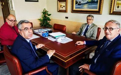 El cónsul de Marruecos y el presidente del puerto de Almería analizan la OPE 2019