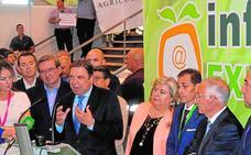 El ministro inaugura Infoagro sin dar las respuestas que le demanda el campo