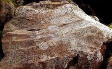 2.000 euros a quien descifre un mensaje grabado en una roca