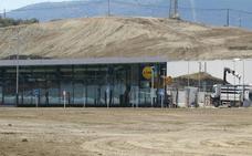 Decathlon y las grandes firmas del Jaén Plaza abrirán en septiembre