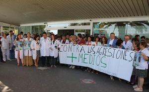 Paro en Torrecárdenas contra las agresiones al personal sanitario