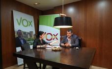 Vox revisará los 'contratos traviesos' de una candidata de la lista del Partido Popular de Granada