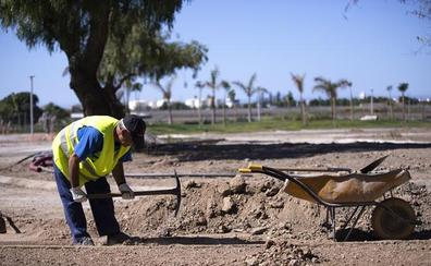 Crear puestos de trabajo en la tierra y en el mar de Motril