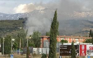 Declarado un pequeño incendio en unos matojos en Casería de Montijo