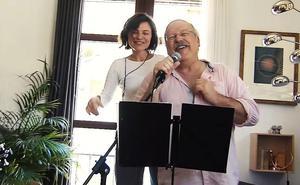 Podemos Granada se arranca a cantar por Kiko Veneno