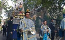 María Auxiliadora cumplió su recorrido por el Centro de Granada y el Realejo
