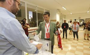 Paco Cuenca (PSOE): «Mi hija me ha dicho que a ver si podemos celebrar dos cosas hoy»