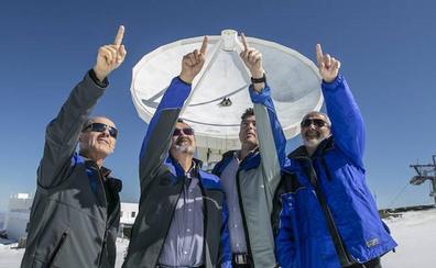 Así es vivir en el radiotelescopio de Sierra Nevada: La familia que escucha el cosmos