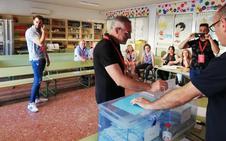El alcalde con todos los concejales suyos, 9 de cada 10 diez votos y que no cobra un euro
