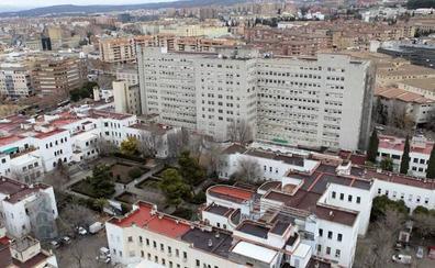 Estudian que la Biblioteca Andalucía y el área de salud convivan en el antiguo clínico de Granada