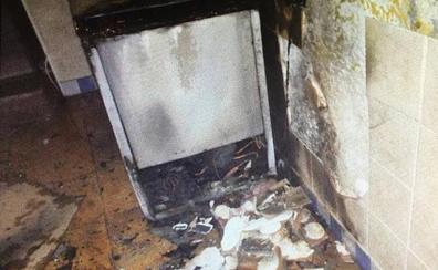 Una sobrecarga en un enchufe provoca un incendio en un bar de Almuñécar