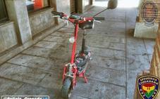 Le roban su patinete eléctrico en pleno centro de Granada mientras estaba comprando