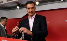 El líder del PSOE logra el primer aprobado en valoración en once años