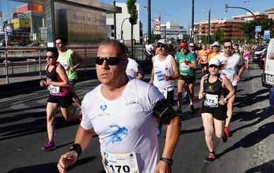 500 corredores llenan el Zaidín en la carrera solidaria de Medicus Mundi