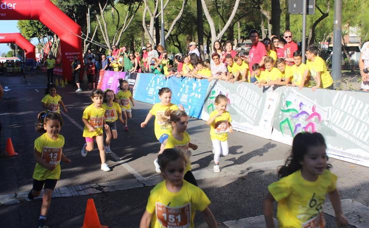 Las mejores imágenes de la Carrera por las Enfermedades Poco Frecuentes de Almería