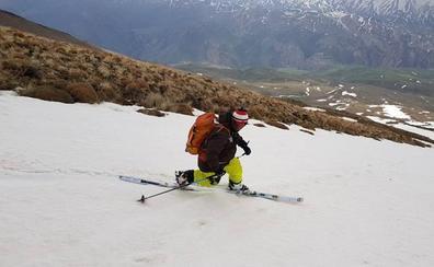 Récord de un esquiador granadino en Irán