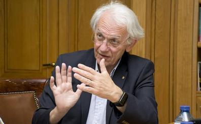 Gérard Mourou: «Muere mucha más gente por el tabaco que por la energía nuclear»