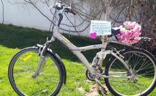 Una madrileña recoge bicicletas para los inmigrantes que trabajan en invernaderos de Almería