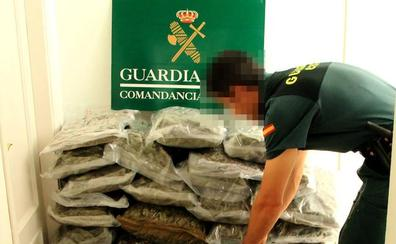 Detenido con 43 kilos de marihuana en la A-4, a la altura de Guarromán