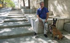 El hombre que ayudó a taponar las heridas de la mujer apuñalada en Granada: «He ido a verla a la UCI»