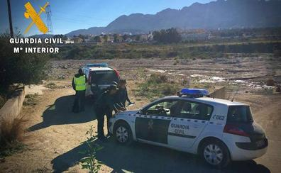 Un hombre aparece ahorcado en Níjar tras apuñalar a su pareja en San Isidro