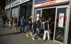 El Gobierno insta al Banco de España a reconocer su «error» sobre el alza del SMI