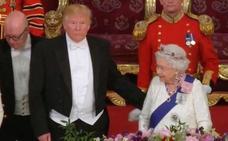 El gesto de Donald Trump con la reina que molesta a Inglaterra